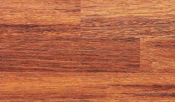 Ламинат с расцветкой мербау( светлый оттенок)