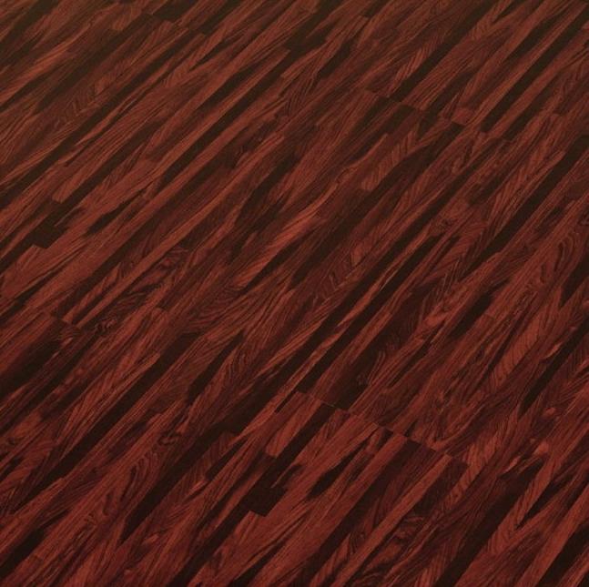 Ламинат с расцветкой мербау( темный оттенок)