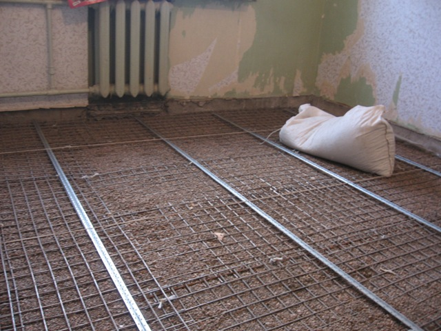 заливка-пола-бетоном( подготовка арматуры