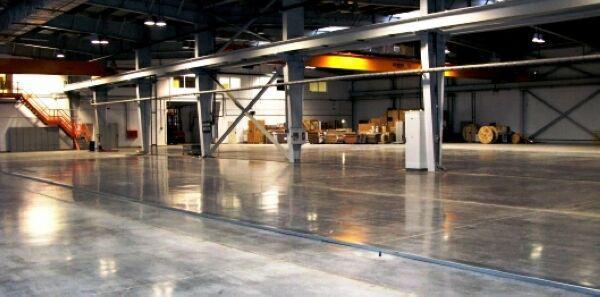 благодаря использованию новейших пропиток достигается абсолютная беспыльность бетонной поверхности