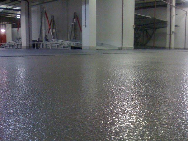 В состав полимерных наливных покрытий может также вводиться кварцевый песок (мелкофракционный