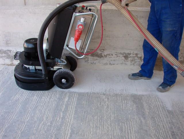 Подготовка основания, использования промышленного пылесоса