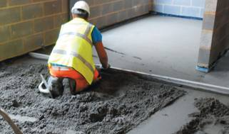 подготовка основания( цементно-песочная стяжка)