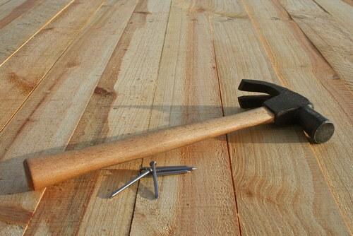 Как выровнять деревянный пол своими руками